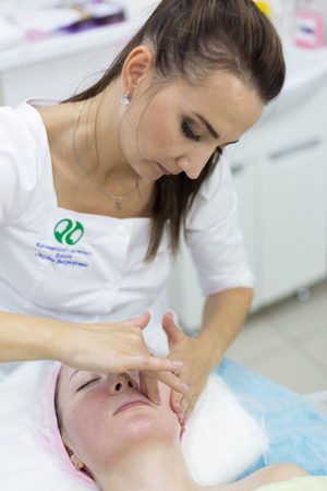 Массаж лица в клинике косметологии Code Beauty Medicine