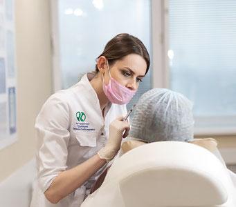 Коррекция носогубных складок филлерами в клинике косметологии Code Beauty Medicine